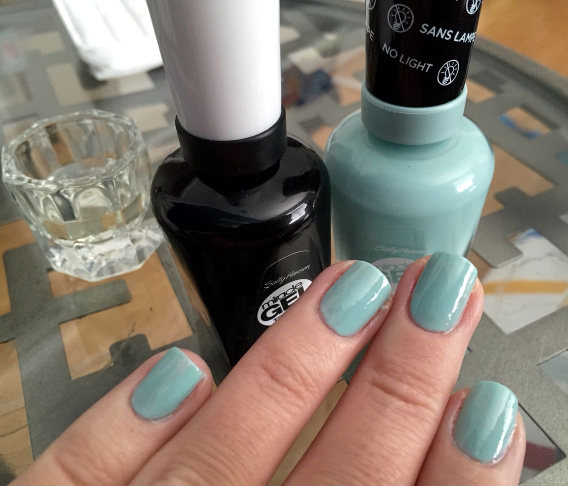 Miracle Gel by Sally Hansen : #240 B Girls: This polish really works ...