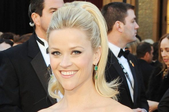 Google Image Result for http://styleclone.com/wp-content/uploads/Reese-Witherspoon-Oscars-2011-Hair.jpg