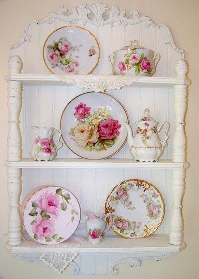Shabby Chic - plates with painted roses