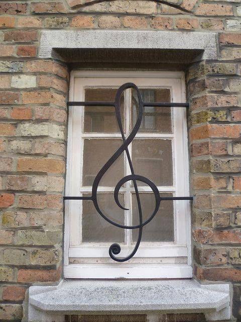 Window treble clef
