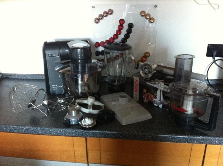 Bosch MUM 86 Küchenmaschine 1600W mit viel Zubehör