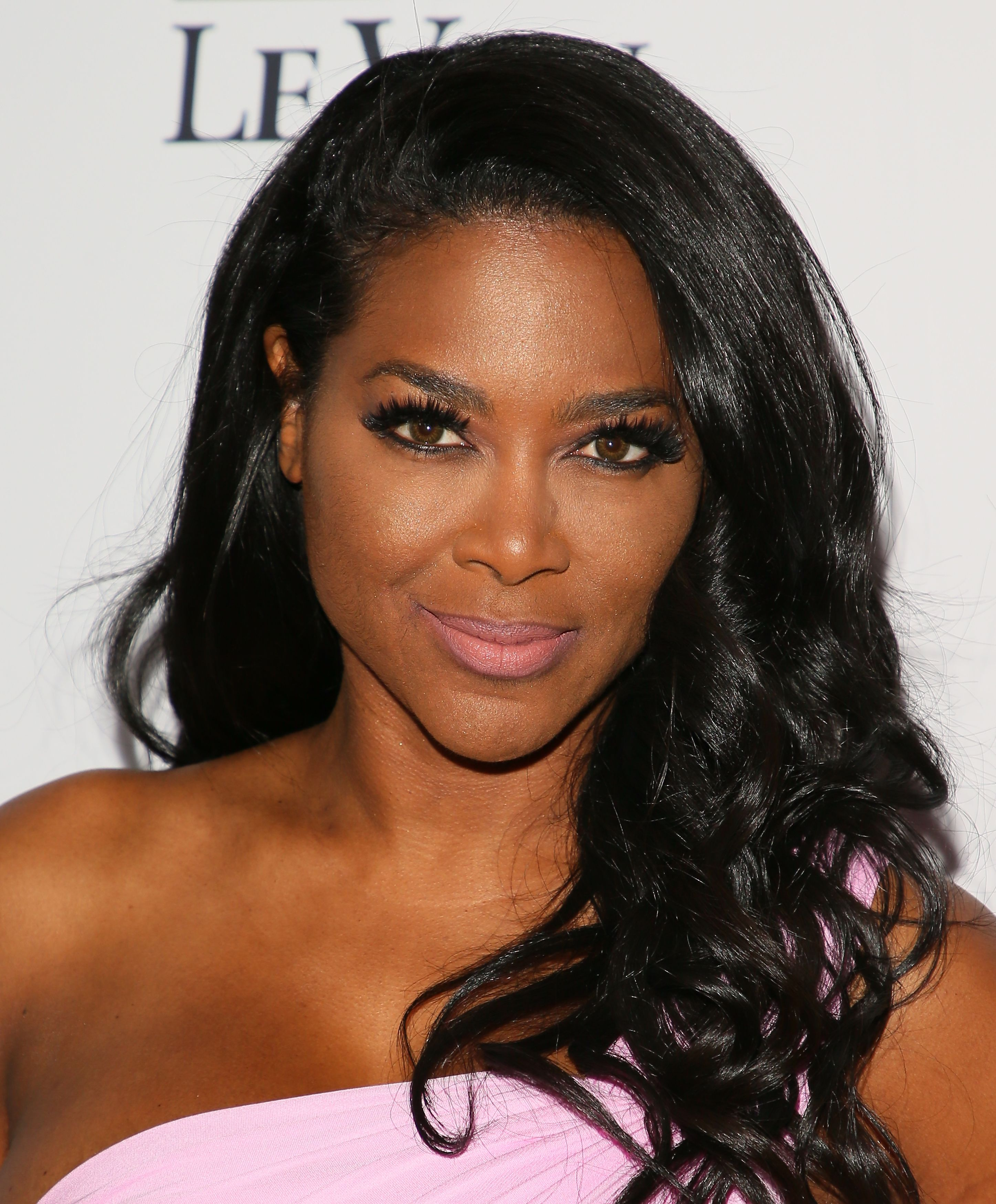 Kenya Moore Shares Photos of Her New Husband From Their