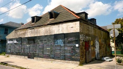 Abandoned House Becomes 'Before I Die' Wall of Dreams [click for article] wonderful idea!
