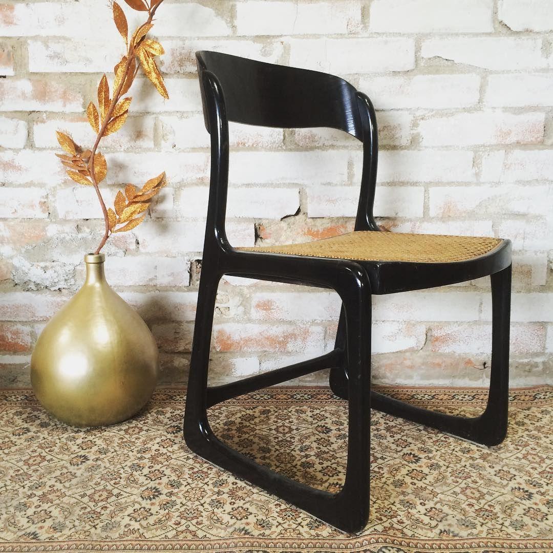 Chaise Vintage Baumann Modele Traineau Laquee Noir Vendue Baumann Cannage Chaisevintage Chaisetraineau Traineau Annee Vintage Chairs Dining Chairs Chair