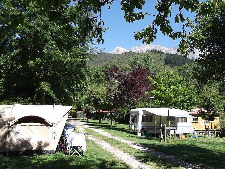 Camping Bungalows La Isla Picos De Europa Potes Picos De Europa Islas Europa