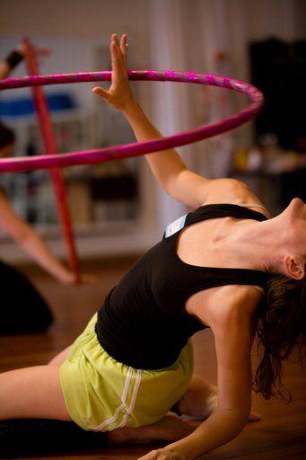 a hula hooping lefogy