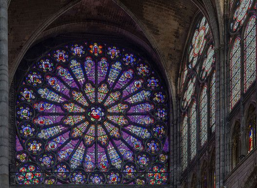 AD Classics: Royal Basilica of Saint-Denis,Rose Window. Image © Wikimedia user Diliff (licensed under CC BY-SA 3.0)