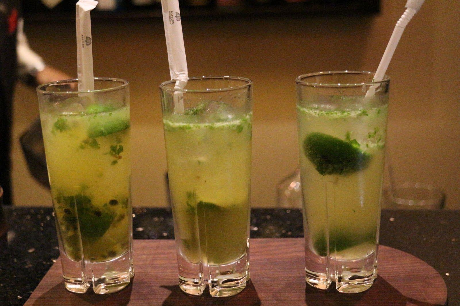 A trio / flight of mojitos. Passionfruit. Vanilla. Classic. Nom. Raffles Siem Reap / Elephant bar