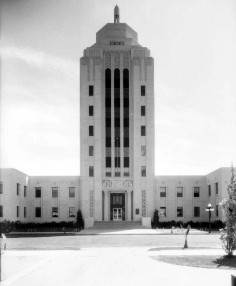 1933 View Of The Van Nuys City Hall Aka Valley Municipal Building Built 1932 14410 Sylvan Stre Los Angeles Architecture Art Deco Architecture Architecture