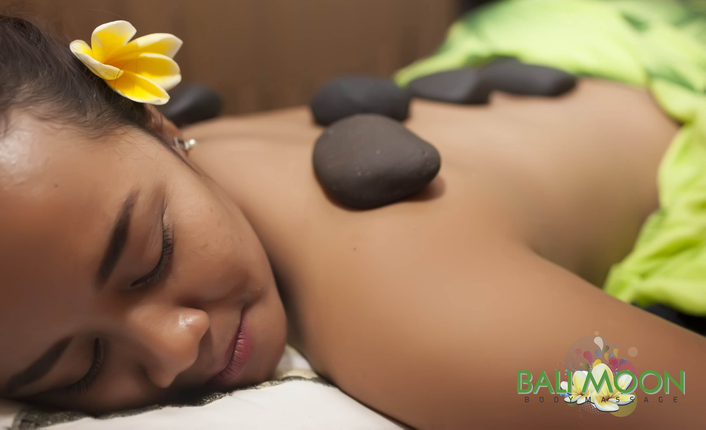 We have warm stone massage for you. We always wear aromatic and oil massage high quality. lest come for warm stone massage