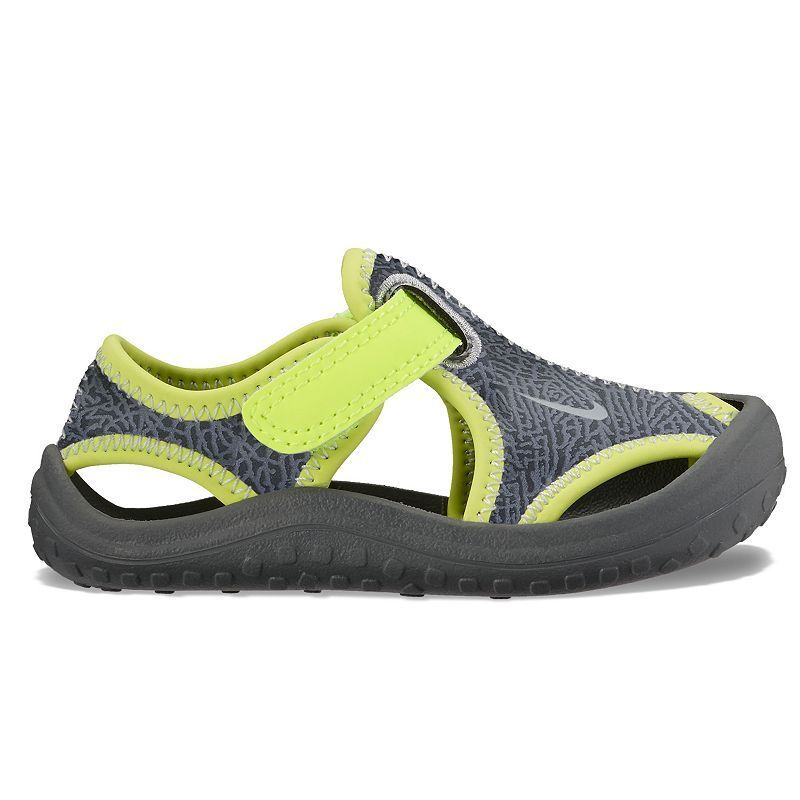 5493cde7f5e2f5 Nike Sunray Protect Toddler Boys  Sandals in 2019