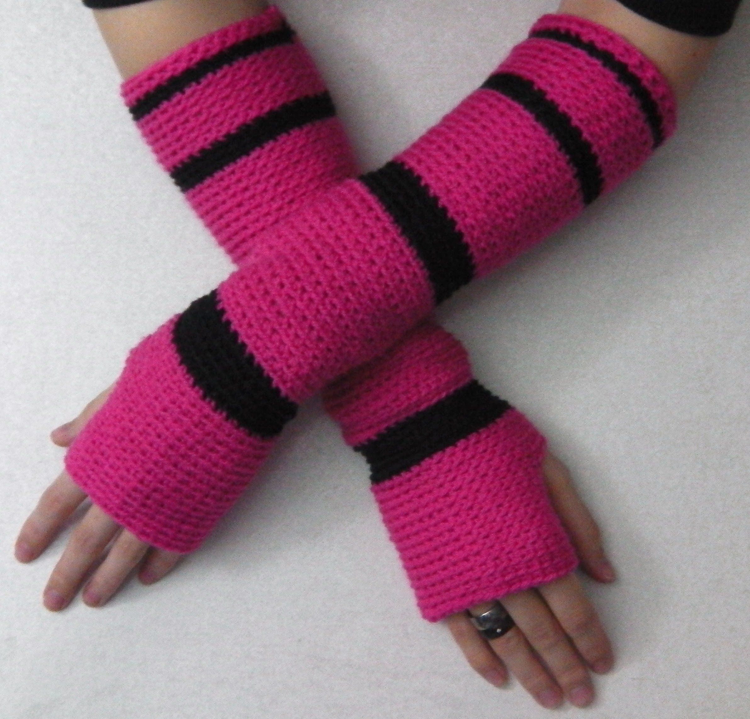 Crochet tutorial: hand arm cuffs sleeves gauntlets | Let\'s Crochet ...