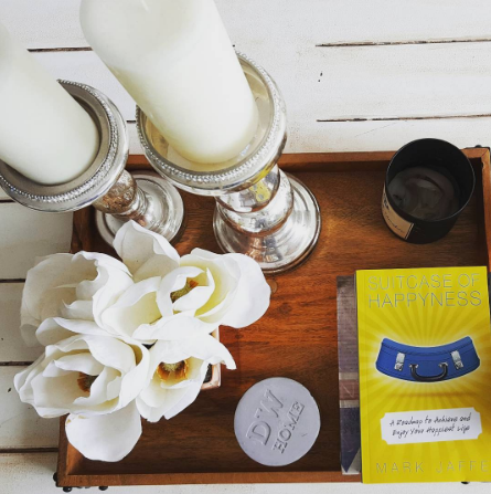 Suitcase of Happyness // Blog // Read  // Book // Good Book // Happiness Book / Books on Happiness // Happy Life // Author // Reader // Read / Coffee // Self Help // Design // Living Room // Candles // Flowers