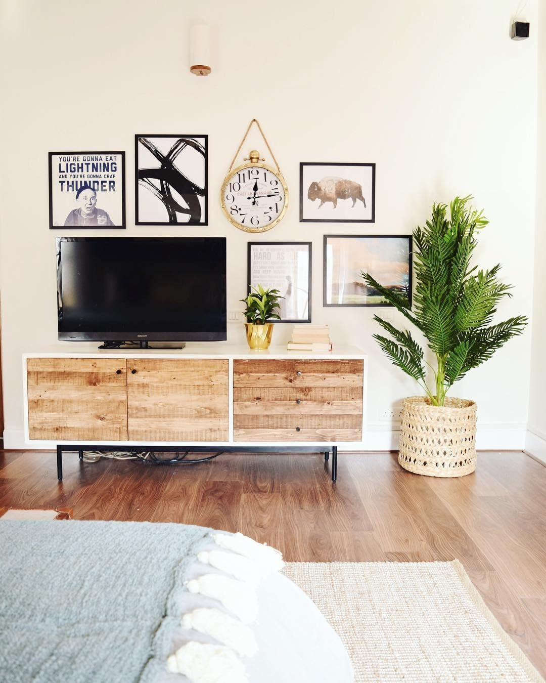 """Urban Company Homes on Instagram: """"Bored of the blank wall behind your TV? You can totally compose a picture gallery around it & make it look this amazing! 😊 Plus, you'll…"""""""