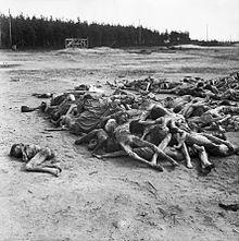 Campo de concentração de Bergen-Belsen,onde estavam muitos judeus, poloneses e presos soviéticos