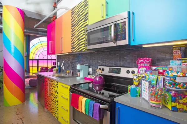 A Lisa Frank Flat Is Coming To Downtown LA And You Can ...