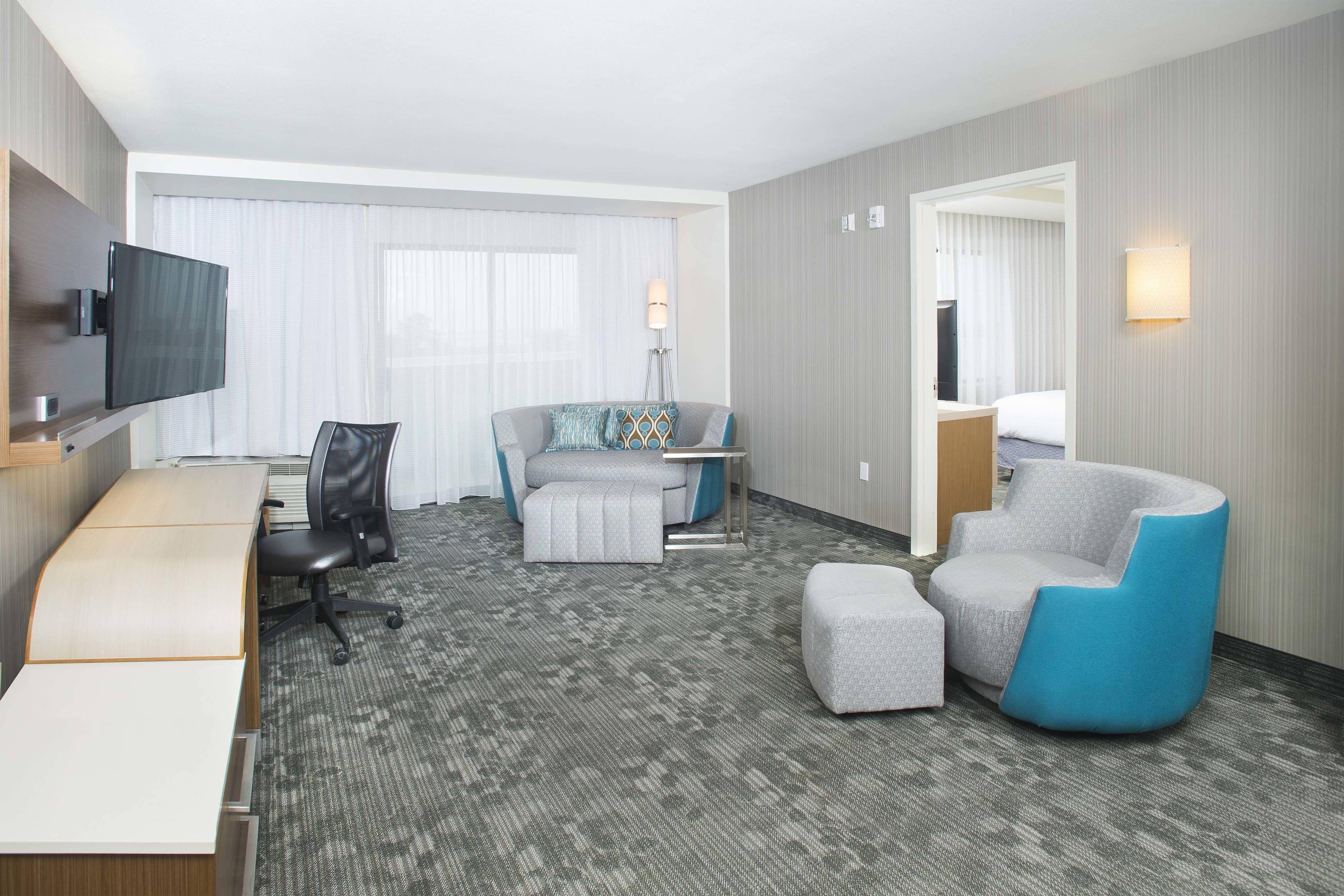 Courtyard Redwood City OneBedroom Suite Living Room