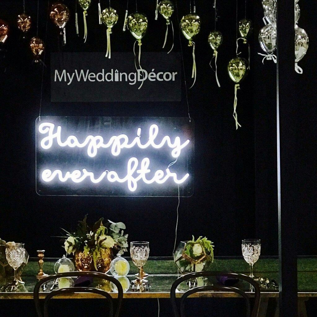 Neon Sign // from The Superstyler Featured at The