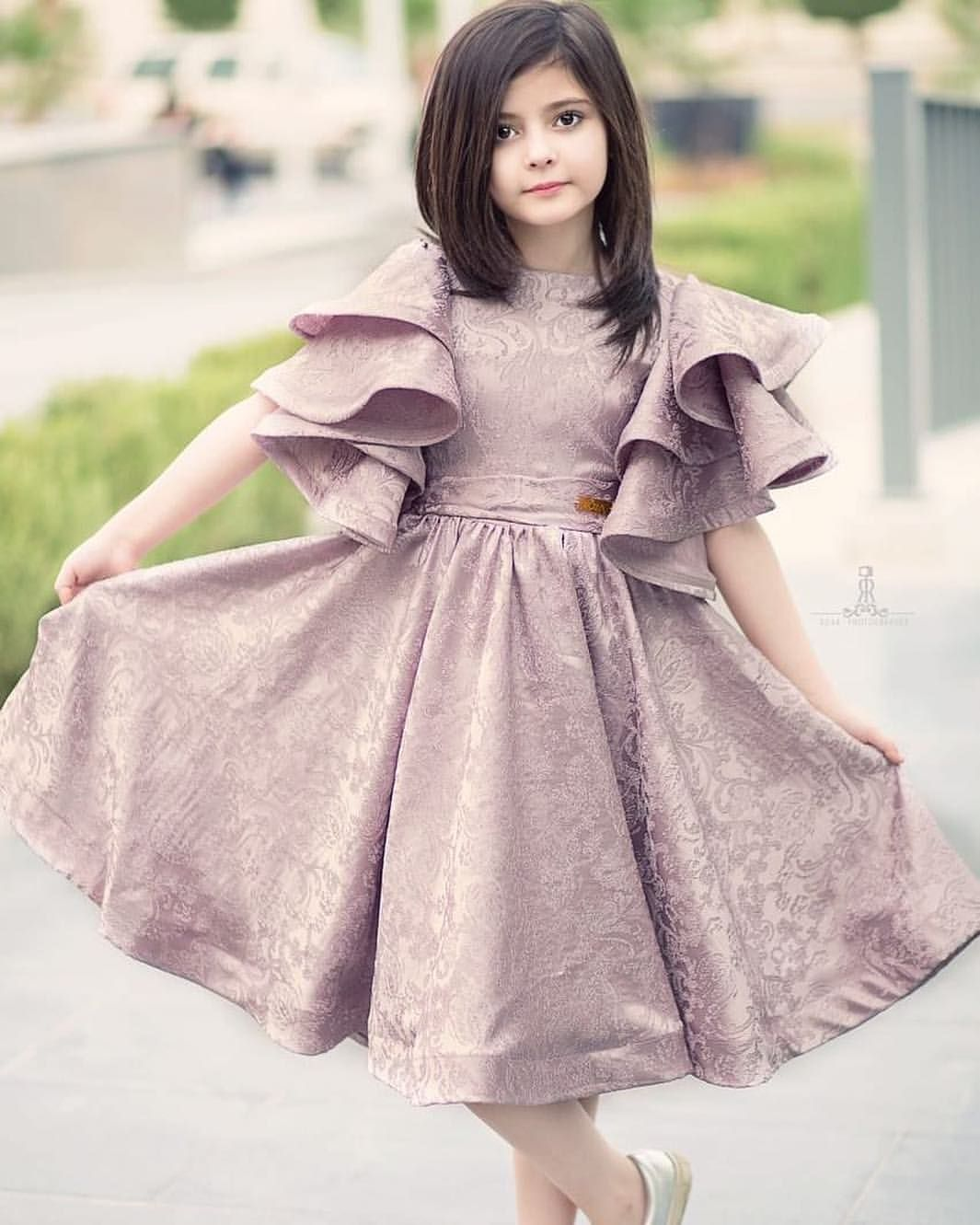 ㅤ شايفين هالزين طبعا من المصممة مها المقرن Dresses Kids Girl Cute Girl Dresses Kids Gown