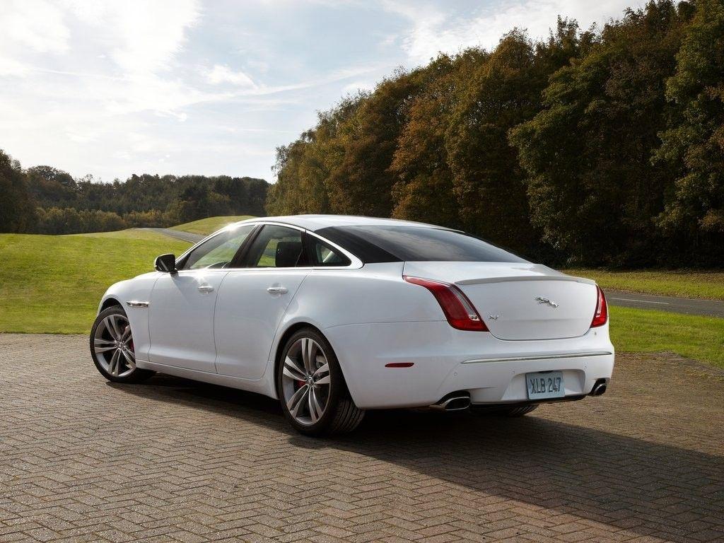 http://autowizja.pl/photos/old/news/samochody/jaguar_xj_sport_pack_2012_4.jpg