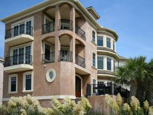 1 Collier Beach Road Hilton Head Island South Carolina Is A Holiday Home Located In 39 Km From Savannah