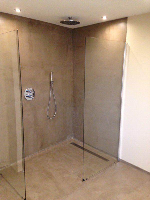 Parois et sol de douche l 39 italienne recouverts de b ton cir sp cial salle de bain surmelin - Sol de douche a l italienne ...