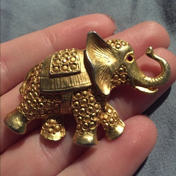 Vintage Elephant Pin Gold elephant pin with ruby eye Jewelry Brooches