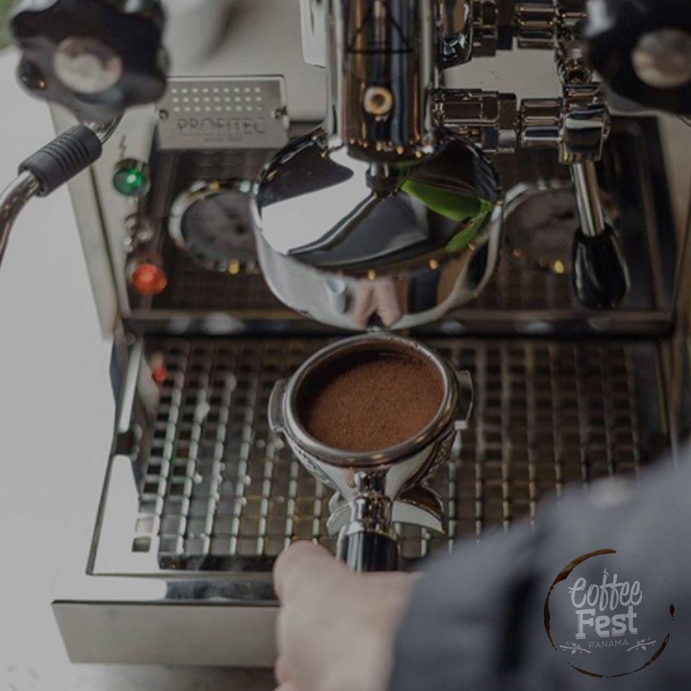 ¿Cómo describes la sensación que sientes al probar tu taza de café? Algunos sencillamente describen el café como a cielo recien molido y nosotros pensamos igual ☕️🖤 • • #coffeefestpty#coffee #cafe #instacoffee #cafelife #caffeine #hot #mug #drink #coffeeaddict #energia #cafeologo #coffeelovers #coffiecup #saturday #septiembre #comingsoon #coffeelife #panama #panamacity #pty