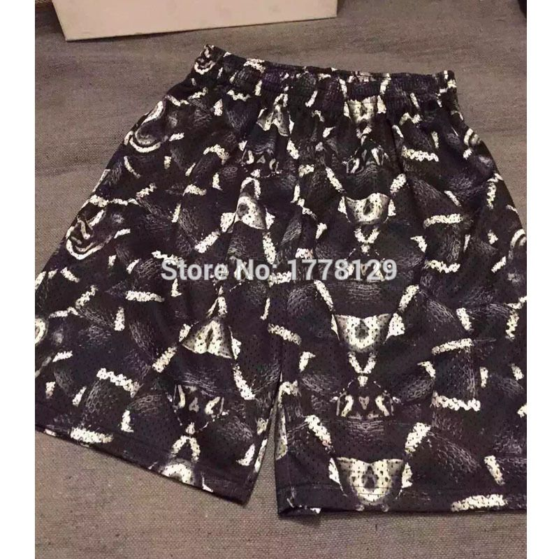 HONO Li In the summer of 2015 trends in Europe and America Quan Zhilong Marcelo cross snake Cobra tread element shorts - http://www.aliexpress.com/item/HONO-Li-In-the-summer-of-2015-trends-in-Europe-and-America-Quan-Zhilong-Marcelo-cross-snake-Cobra-tread-element-shorts/32375294095.html