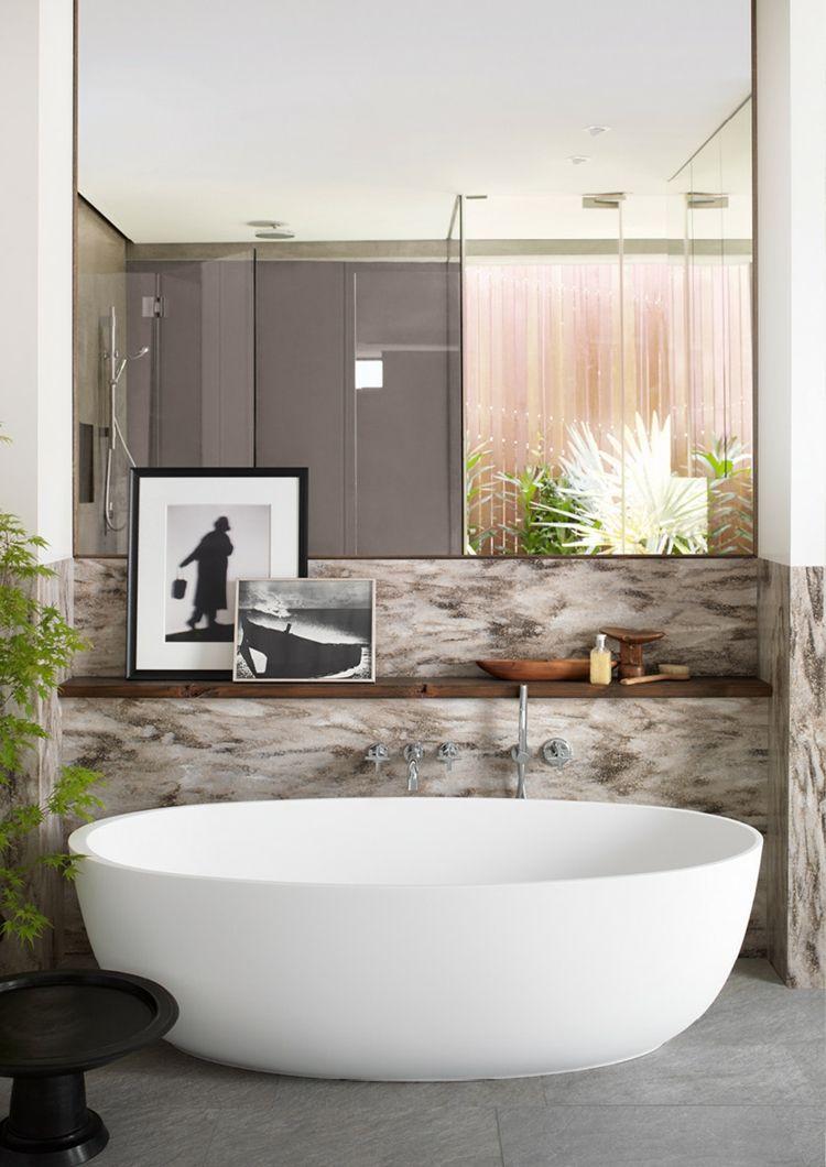 Badezimmer Gestaltungsideen, freistehend corian badewanne oval weiß spiegel #badezimmer #bathroom, Design ideen