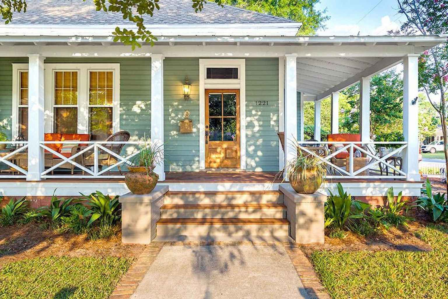01 Farmhouse Front Porch Decor Ideas In 2020 Facade House House