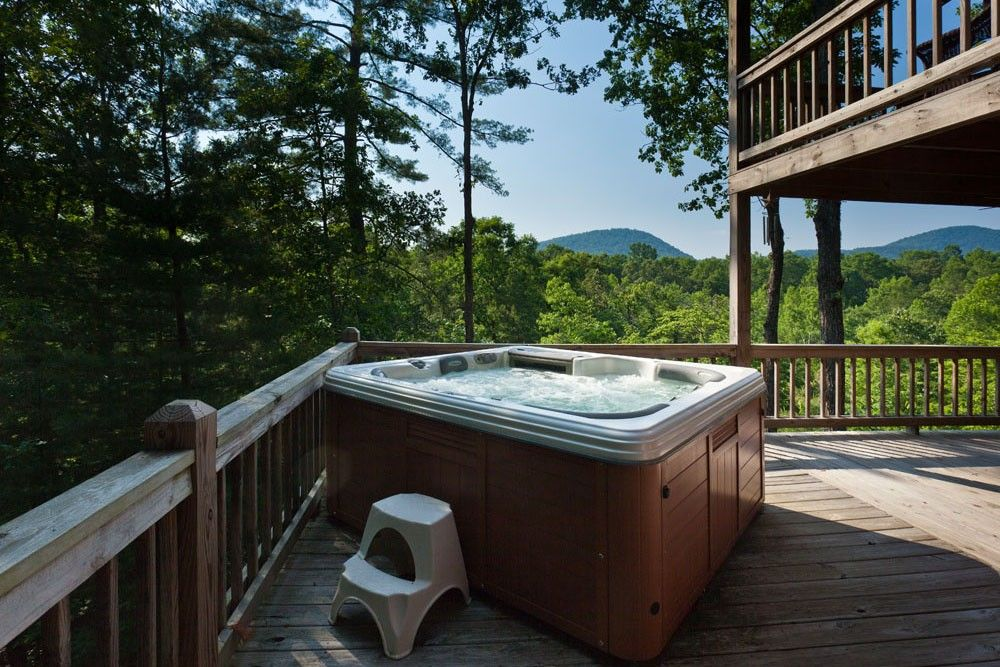 Seclusion At Hideaway Mountain   Hot Tub