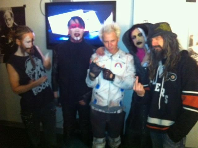 Back Stage Twins Of Evil Tour Marilyn Manson Rob Zombie Rob Zombie Marilyn Manson Marilyn