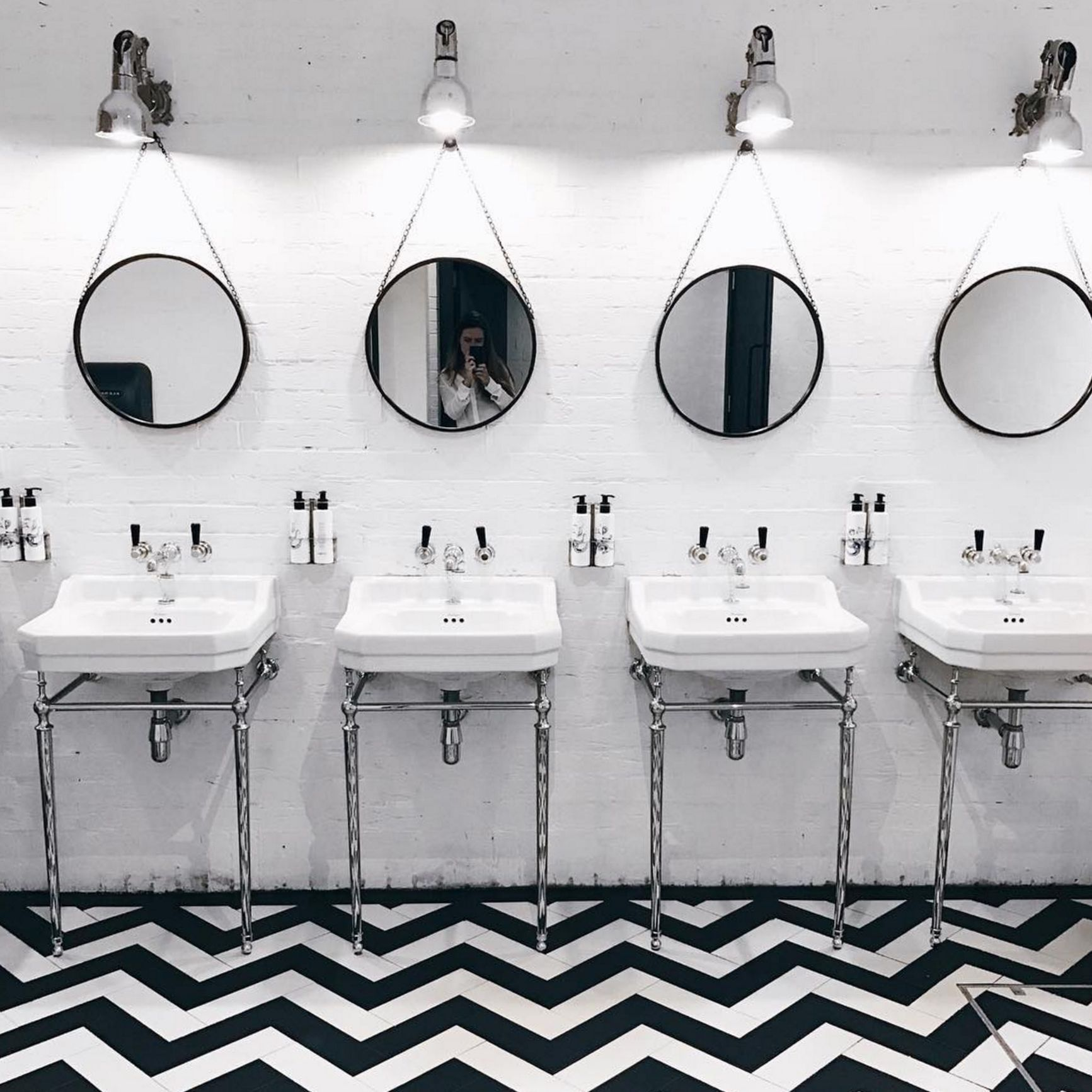 We Found The Best Spots In London For A #BathroomSelfie | Restaurant ...