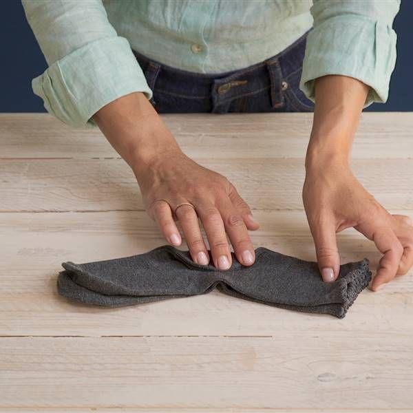 Cómo Doblar Calcetines Con El Método Marie Kondo Calcetines De Hombres Doblar Camiseta Metodo Marie Kondo