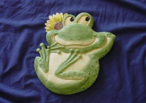 Frog with Flower Stepping Stone Plaster or Concrete Mold 1085 Moldcreations