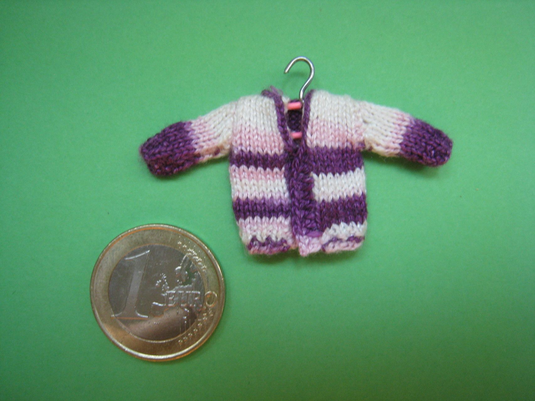 Mini Jerseys / Mini Pullover - Aitira Miniaturas. Miniaturas artesanales para tu casa de muñecas. Minipunto/miniknitting