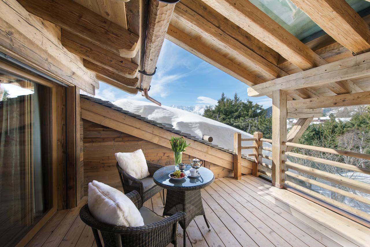 Decoración rústica de casa de campo construida en madera ...