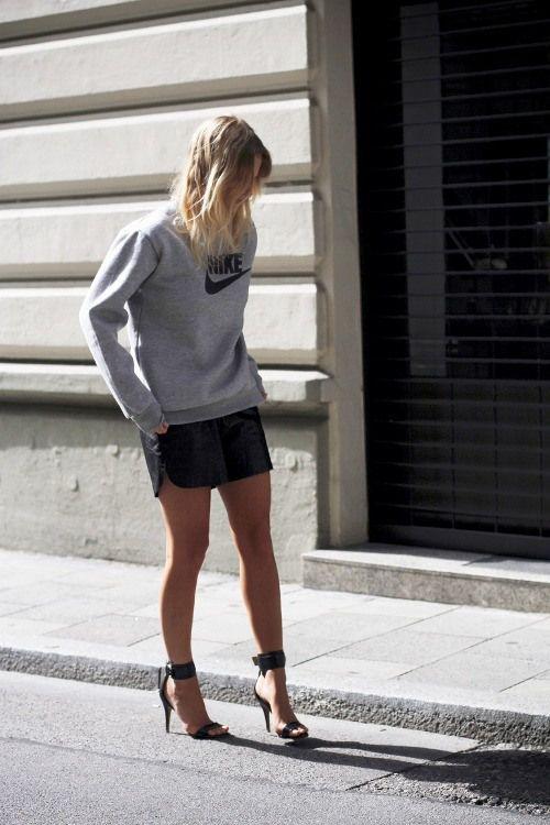 Miniskirt + sweatshirt
