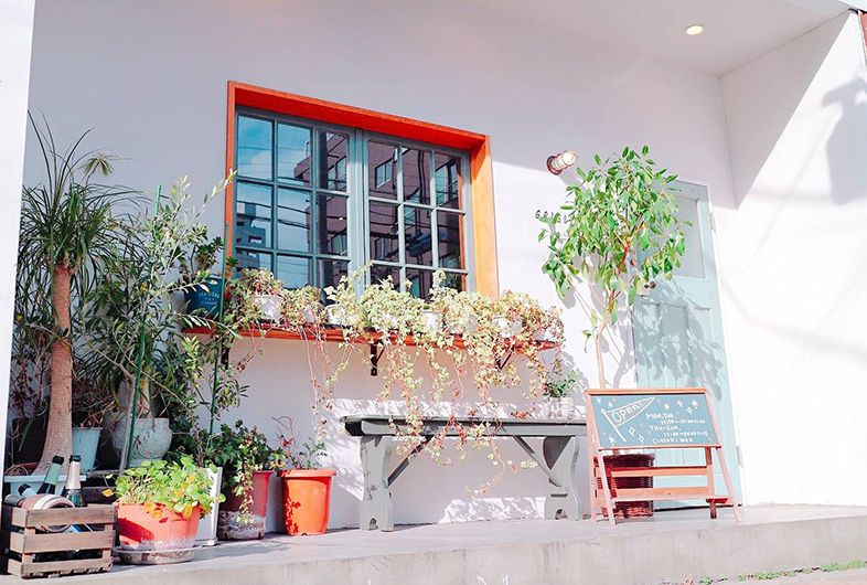 Griglia Share Kitchen Space 清澄白河駅から徒歩5分の距離にある路面の撮影スタジオ 通常シェアキッチンとして営業している店舗ということもあり カフェ レストランシーンの撮影に最適です 豊富に揃った調理器具 カトラリー類はご自由にお使いくださ 清澄