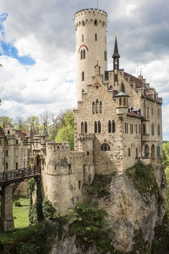 Gatsbywisetumblr Lichtenstein Castle Is A Gothic Revival Built In The 1840s On Site Of Original Early 14th
