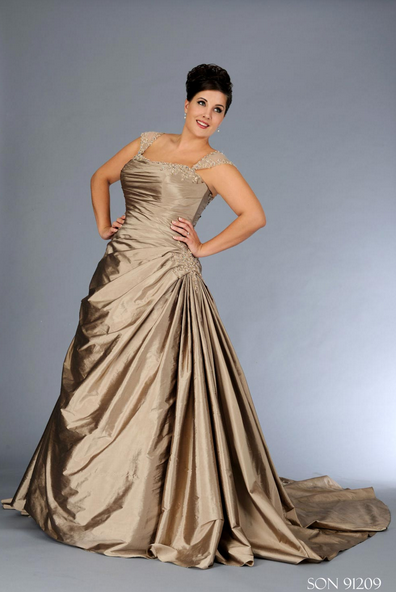 Plus size champagne wedding dresses wedding blog for Plus size champagne colored wedding dresses
