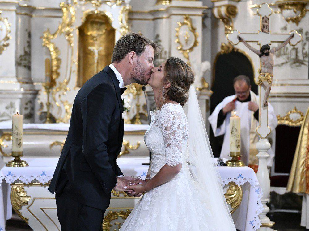 Inka Bause Die Hochzeit Von Anna Und Gerald War Traumhaft Trend Magazin Bauer Sucht Frau Hochzeit Inka Bause Heiraten