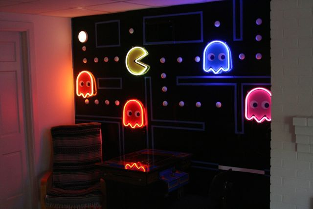 pac man wall dave 39 s classic arcade retrogaming videogames pinteres. Black Bedroom Furniture Sets. Home Design Ideas