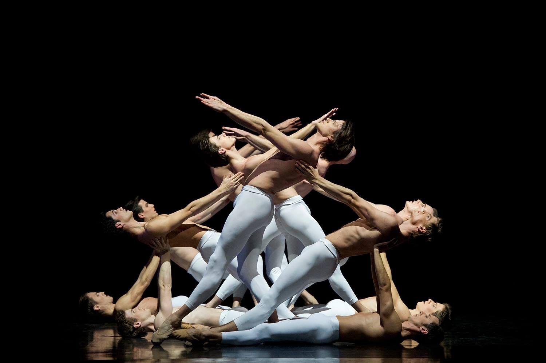 Troisième symphonie de Gustav Mahler. Ballet de L'Opéra National de Paris by Laurent Philippe