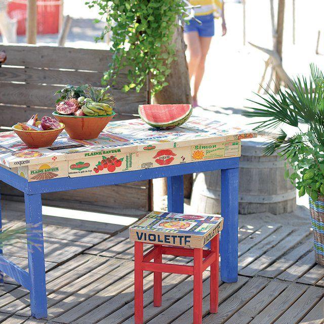 Une table et un tabouret réalisés avec des cagettes / diy récup
