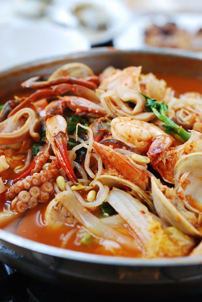 Haemul Jeongol Spicy Seafood Hot Pot Recipe Hot Pot Recipe
