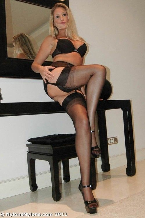 hose Mature and women in garter belts