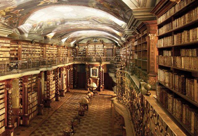 美しすぎて 読書に全く集中できないプラハの図書館 画像あり 図書館 イラスト 図書館デザイン プラハ