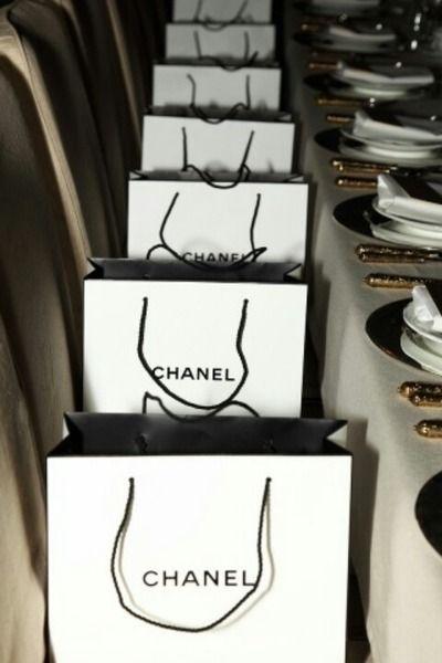 f8d64f8de065a0 Tumblr Coco Chanel, Chanel Bags, Paris Chic, Glamour, Vogue, Chanel Party